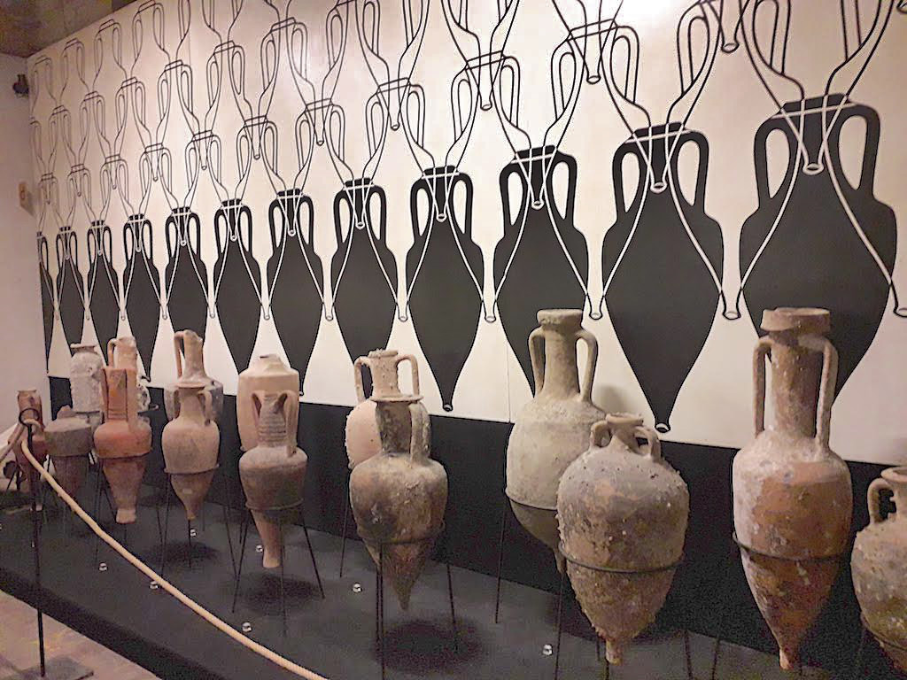 anfore-da-vino-museo-torgiano
